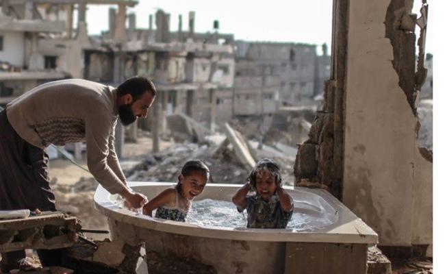 La exposición muestra la realidad de la vida diaria en Palestina
