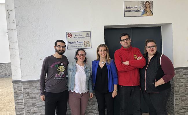 La alcaldesa con los responsables del proyecto Samuel de Alcalá