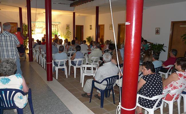 El festival se celebra como otros años en el patio interior de la parroquia
