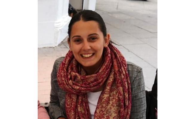 Irene, con 26 años, quiere que se conozca la realidad de los afectados por ELA como ella