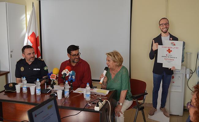 La presentación de la «Patrulla Cero» en las instalaciones de la Cruz Roja de Utrera