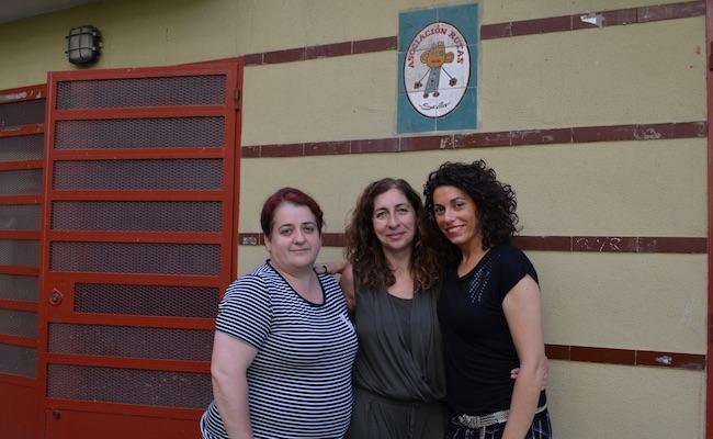 Las tres trabajadoras de la Asociación Rutas