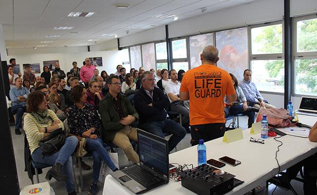 Manuel Blanco, de Proem Aid explicó las precarias condiciones en las que se echan al mar los refugiados
