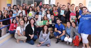 Un grupo de voluntarios de la Universidad Pablo de Olavide