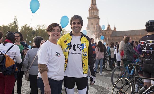 Ana Mari Álvarez, presidenta de Anadis, junto a Benji, padre de Javier FOTO: MJ LOPEZ OLMEDO. archsev