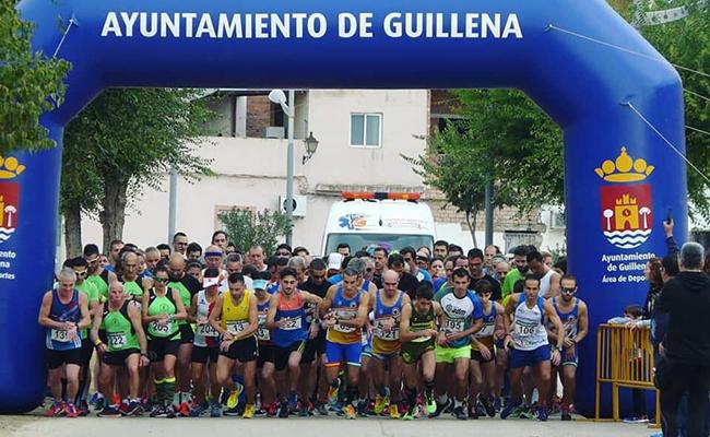 La carrera solidaria «El Niño Perdío» de Guillena contó con 400 corredores