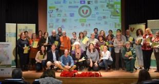 Representantes de entidades de voluntariado de Sevilla, en la clausura de la gala por el Día Internacional del Voluntariado / Plataforma del Voluntariado de Sevilla