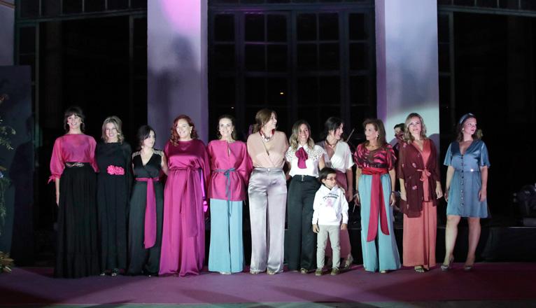Gala Lazo Rosa en el Casino de la Exposición. Desfile de moda de su Susana Pagés en el que participa la redactora de ABC de Sevilla Laura Álvarez.