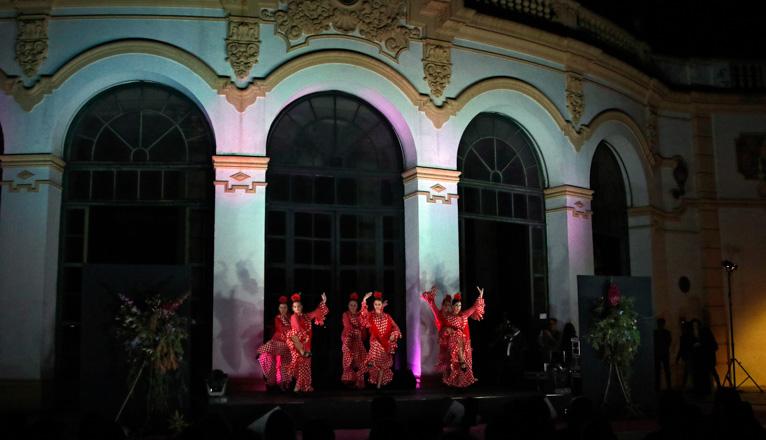 Gala Lazo Rosa en el Casino de la Exposición