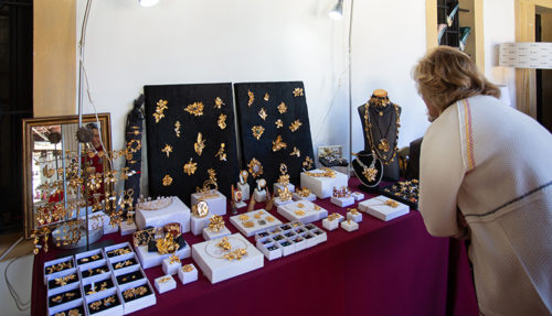 SEVILLA. 8.11.19. Mercado de Navidad de Nuevo Futuro, en la Fundación Valentín de Madariaga. FOTO: VANESSA GOMEZ. archsev